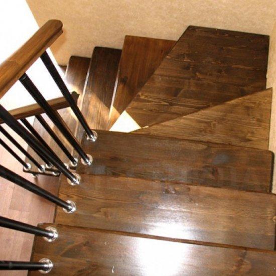 Как сделать г образную лестницу на второй этаж